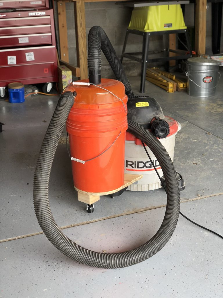 Rigid shop vac with dust collection